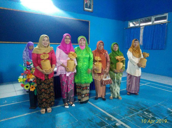 Pertemuan Rutin TP PKK, RT,RW Kelurahan Nambangan Kidul